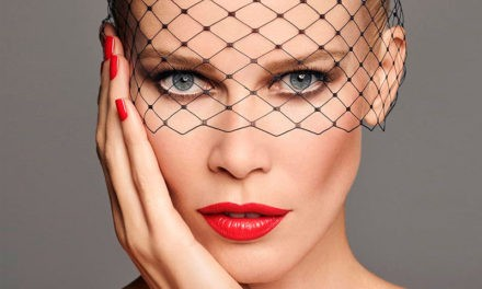 Claudia Schiffer lanza su primera colección de maquillaje para ARTDECO
