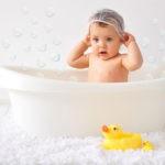 ¿Hay que bañar a los bebés todos los días?
