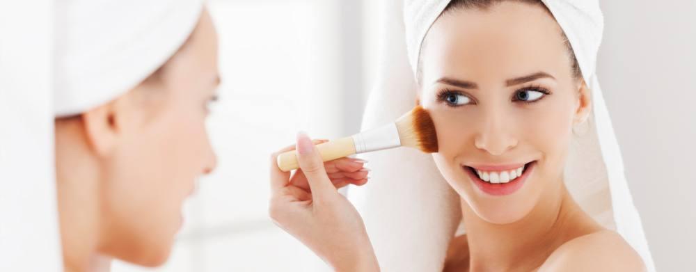 2 productos que no pueden faltar en tu neceser para conseguir un maquillaje perfecto