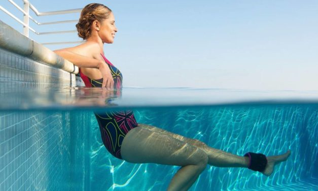 Ejercicios muy sencillos para realizar en el agua este verano