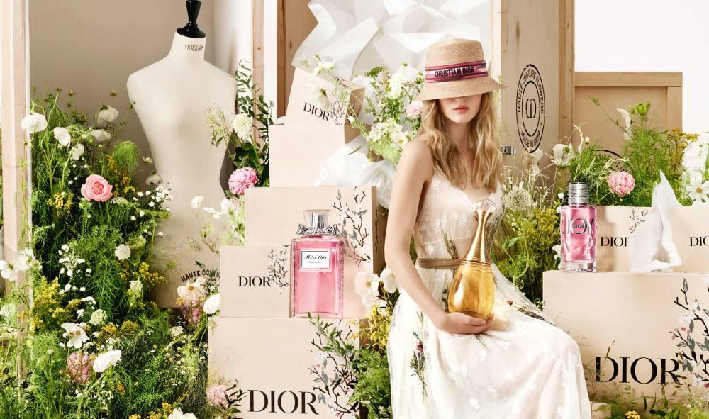 Un perfume, tratamiento, maquillaje… descubre la selección de regalos de Dior para el día de la madre