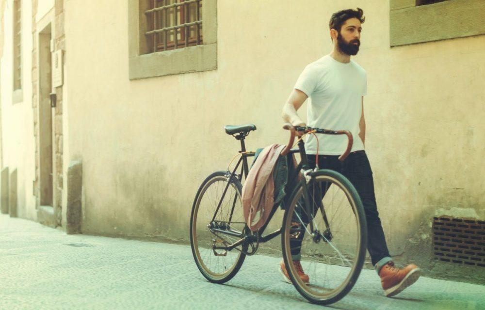 Cómo cuidar la barba en verano: Trucos, consejos y cosméticos que necesitas